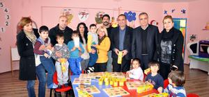 Ovacık'ta öğrencilere oyuncak yardımı