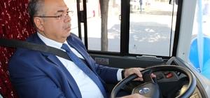 Belediye başkanı otobüs şoförü oldu