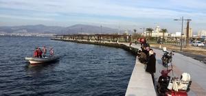 İzmir'de balıkçılar denizde tabanca buldu