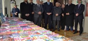 Boyabat'ta okullara kitap dağıtıldı