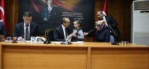 Vali Yavuz, halkı dinlemeye devam ediyor