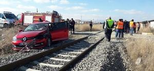 Afyonkarahisar'da hemzemin geçitte kaza: 1 ölü, 4 yaralı