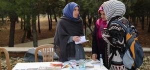 Üniversiteli gençler, Halep'e duyarsız kalmadı