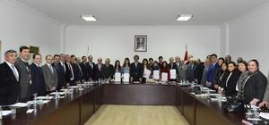 BEÜ'de dereye giren başarılı öğrencilere teşekkür belgesi