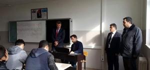 Müdür Kızılkaya okullarda incelemelerde bulundu