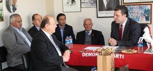 Başkan Özakcan'dan Demokrat Parti'ye taziye ziyareti