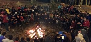 Bilgievi öğrencileri kamp ateşini yaktı