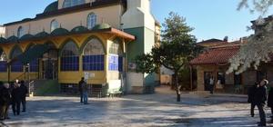 42 Evler Merkez Camii'ne çevre düzenlemesi yapıldı