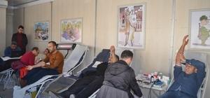 Gençli vatandaşlardan kan bağışına yoğun ilgi