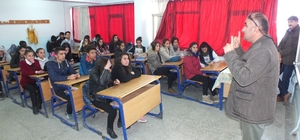 Öğrencilere fotoğrafın incelikleri anlatıldı