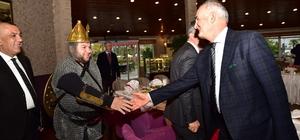 Başkan Yılmaz'dan Romanlara jest