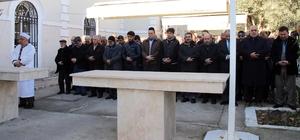 Halep'te katledilen Müslümanlar için gıyabi cenaze namazı