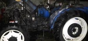 Saruhanlı'da park halindeki traktör küle döndü