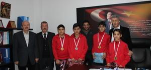 Türkeli'de başarılı öğrenciler ödüllendirildi