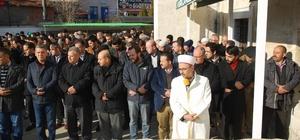 Halep'te öldürülen siviller için gıyabi cenaze namazı kılındı