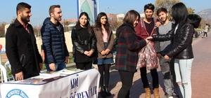 Aydın'da genç üniversitelilerden yardım kampanyası
