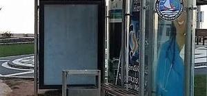 Akçakoca'da otobüs durakları yenilendi