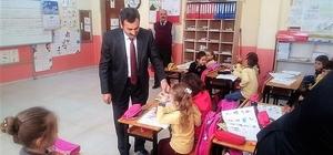 Öğrencilere 'Okul Üzümü' dağıtıldı