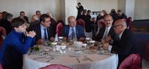 Başkan Albayrak, Büyükerşen için verilen kahvaltıya katıldı
