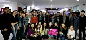Üniversite öğrencileri huzurevi sakinleri ile doyasıya eğlendi