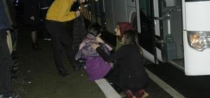Öğrencileri taşıyan otobüs ile otomobil çarpıştı: 2 yaralı