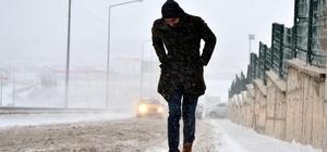Doğu'da kar, tipi yolları ulaşıma kapadı