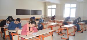 Eleşkirt'te aday öğretmenlere deneme sınavı