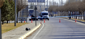 Afyonkarahisar'da şüpheli çanta  fünye ile patlatıldı