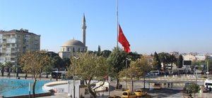 Aydın'da bayraklar yarıya indirildi