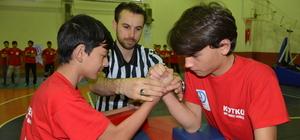 Fatsa'da bilek güreşi yarışması
