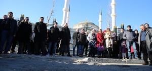 Öğretmenler, Ömer Halisdemir'in kabrini ziyaret etti