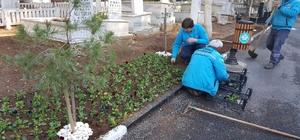 Güldede Mezarlığında özenli çalışma