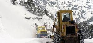Erzincan'da 376 köy yolu ulaşıma kapandı