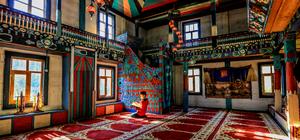 Tarihi camiyi köylüler 165 yıldır koruyor