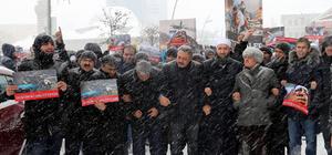 Halep'te sivillere yönelik saldırılara protesto
