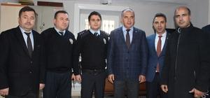 AK Parti İzmir, polisin yanında