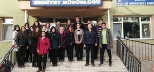 Öğrencilerden polise anlamlı ziyaret