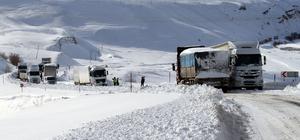 Ağrı-Van Karayolu ulaşıma kapandı