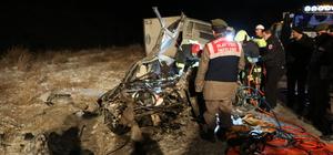 Denizli'de trafik kazası: 2 ölü, 1 yaralı