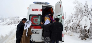 Karda hasta kurtarma operasyonu