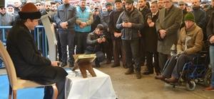 Yüzlerce Ümraniyeli Halep için dua etti