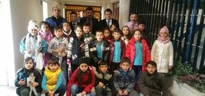 Öğrencilerden emniyet müdürüne moral ziyareti