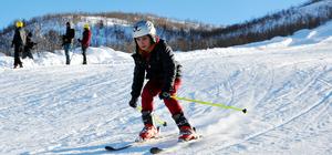 Ovacık'ta kayak sezonu açıldı