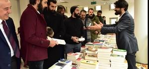 Diriliş Ertuğrul oyuncuları Ataşehir Kitap Şenliği'ni ziyaret etti