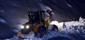 Kardan yolu kapanan mezradaki hasta kurtarıldı