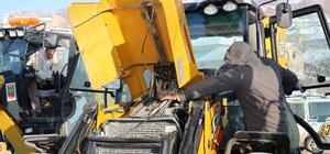 Karla mücadele edecek iş makinelerine soğuk hava engeli
