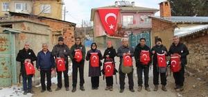 Konya'da, doğa tutkunları şehit polis Oğuzhan Duyar için dağa tırmandı