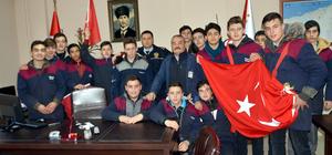 Karamürselli öğrencilerden polis ve jandarmaya ziyaret