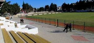 Çeşme'de çim saha tamamlandı, ilk maç 7 Ocak'ta