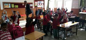 Kırşehir'de öğrencilere ağız taraması başlatıldı